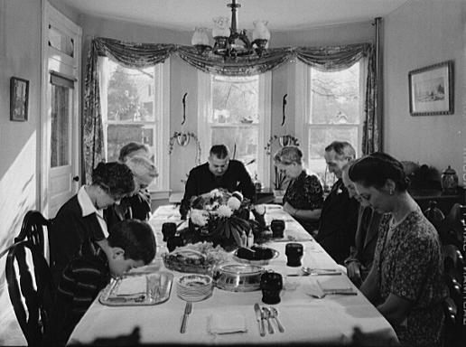 Thanksgiving_grace_1942.jpg